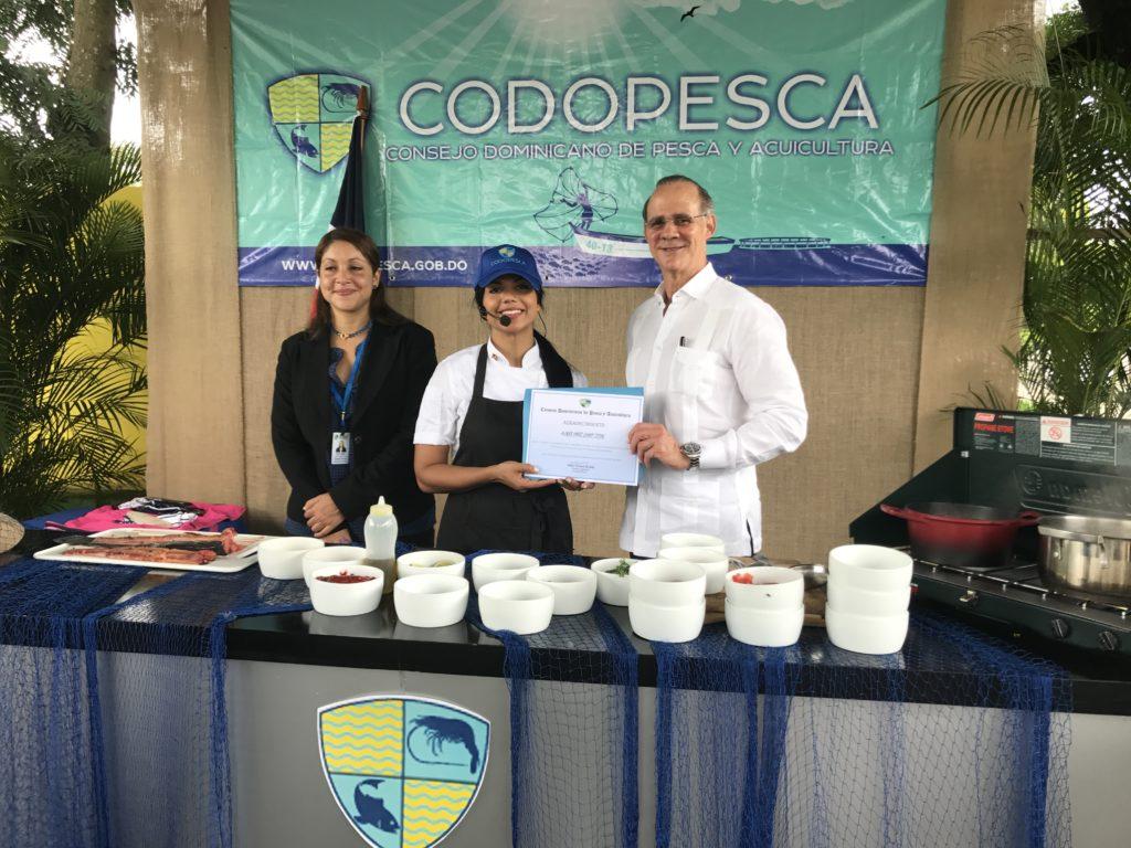La actividad fue transmitida en vivo por las redes sociales de CODOPESCA y por las redes sociales de la chef.