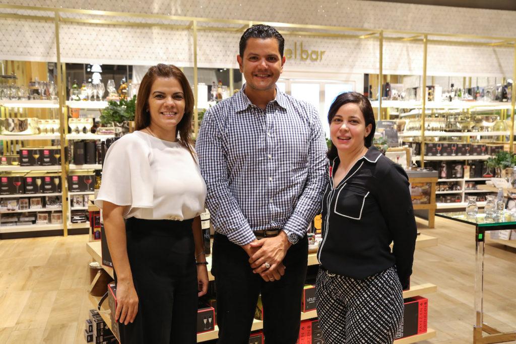 Rita Taveras, Joel Peña y Katherinne Asencio