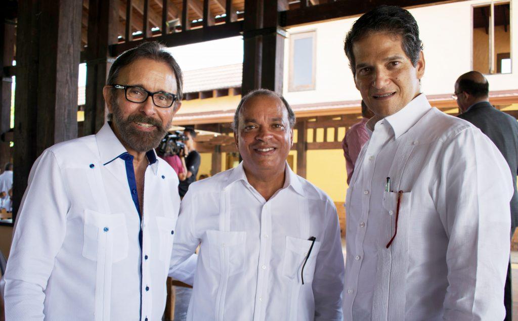 Edmundo Aja, José Clase y Oscar Villanueva.