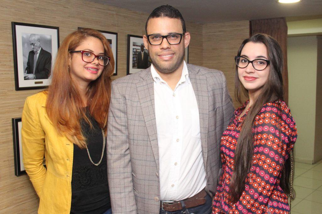 Karla Castillo, Kelvin Alejo y Laury Castro (2)