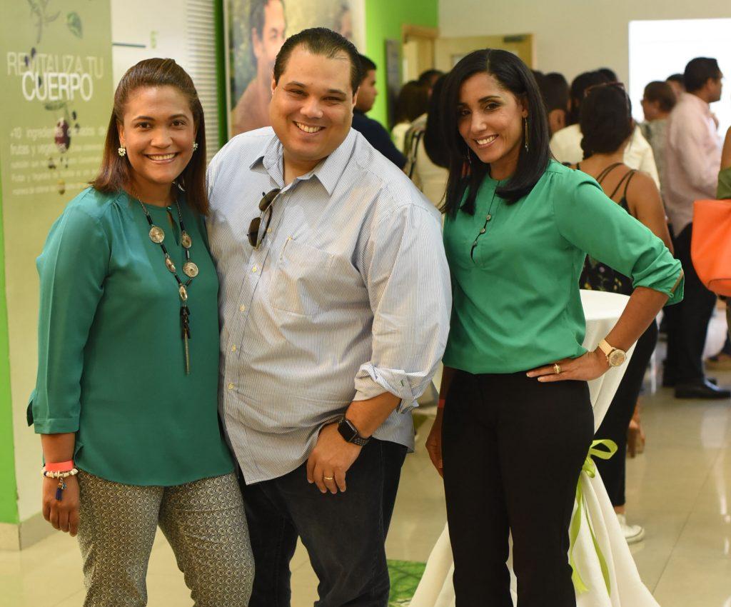 Ana Wilda Luna, Manuel Morales y Hellen Montero.