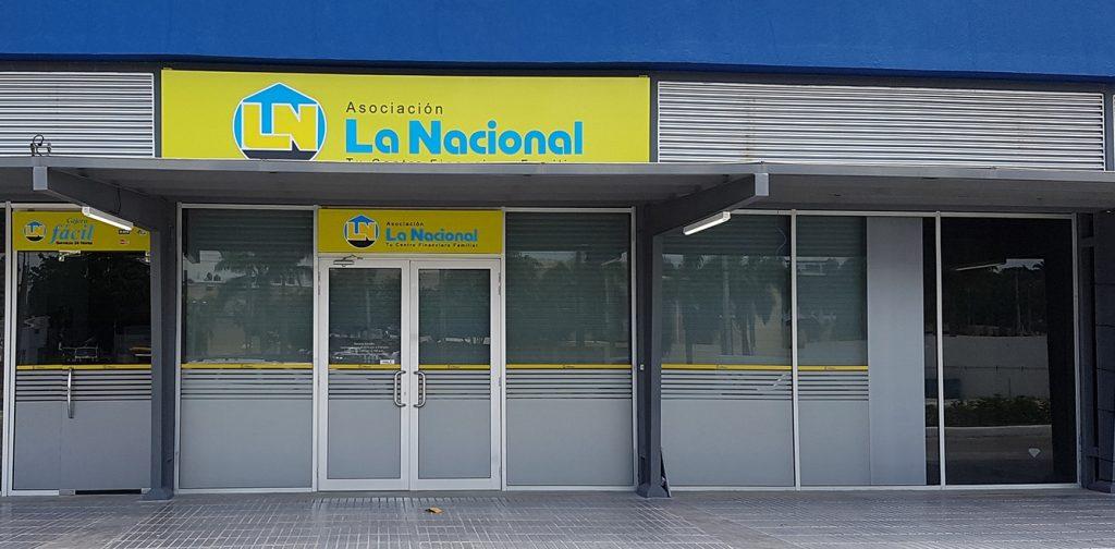 Fachada Sucursal La Nacional Occidental Mall