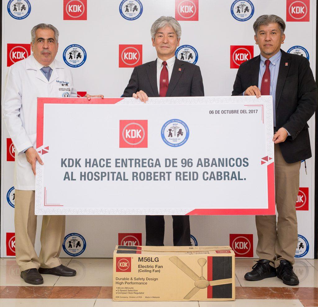 Ricardo Elías Melgen, Kiyoshi Meda ( Presidente KDK Japón) y Yu Kai