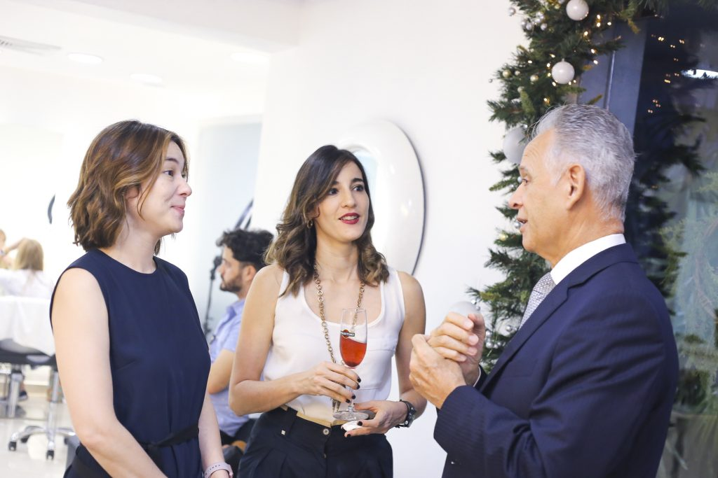 Vivian Fujii, Niccole Baez y Jose Luis Alonso