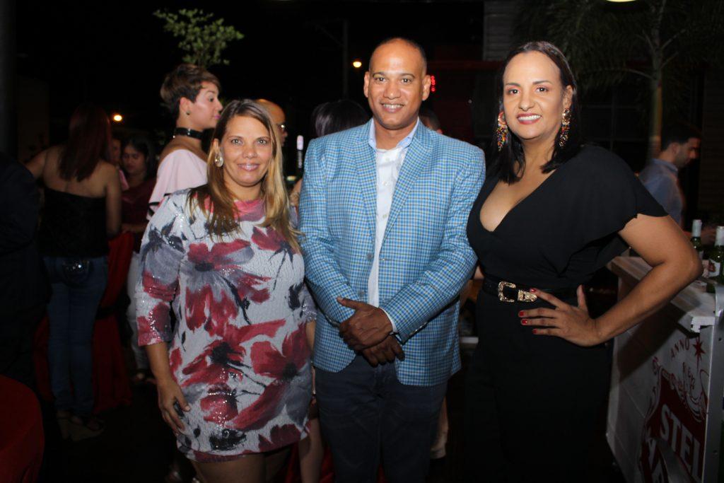 Rosa Escoto, Omar Tejeda y Leonor Veloz.