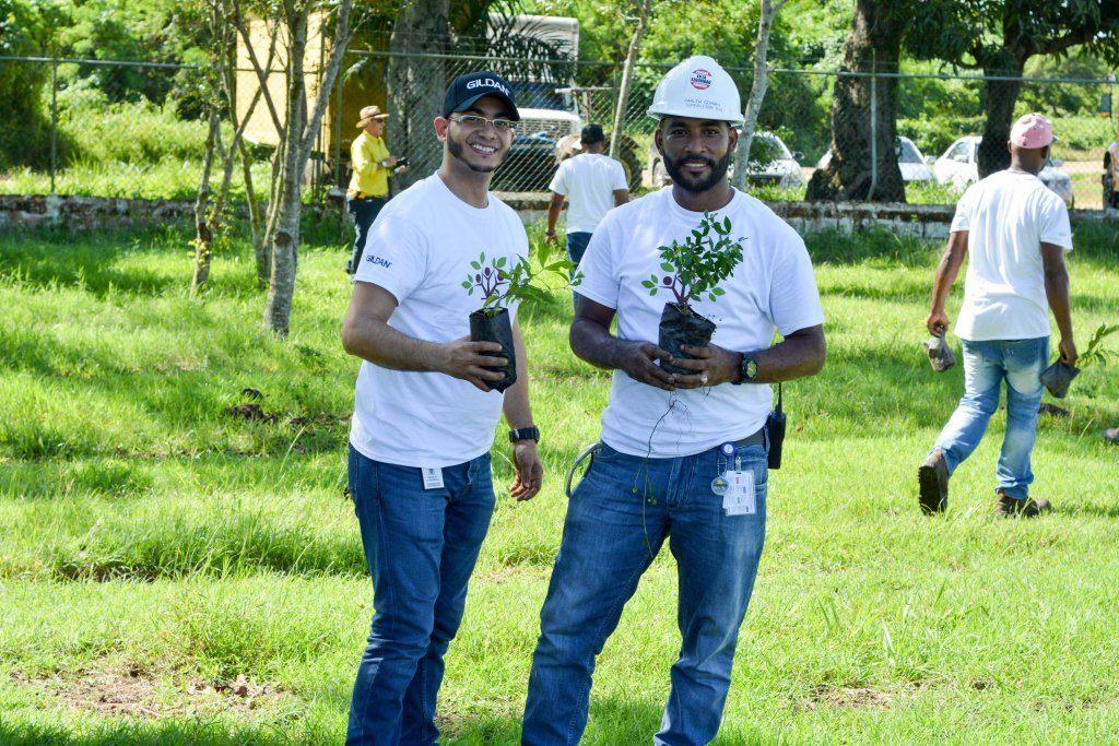 Las jornadas se desarrollaron como parte del firme propósito de la compañía de reducir su huella ambiental y sensibilizar sobre la importancia de preservar los recursos naturales.