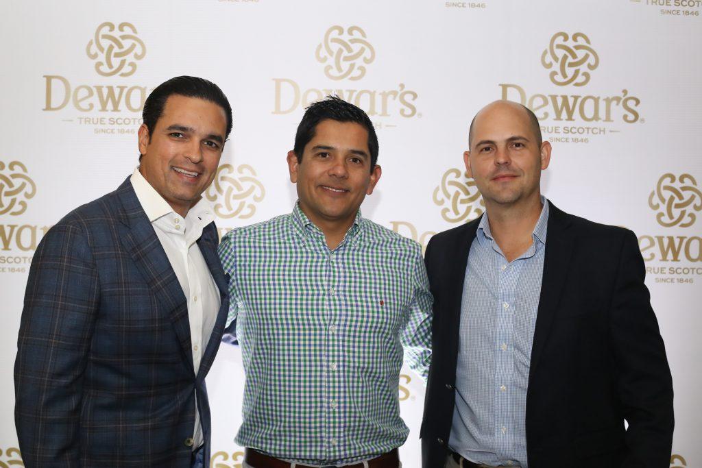 Omar Elías, Carlos Guardado y Andres Olivarria