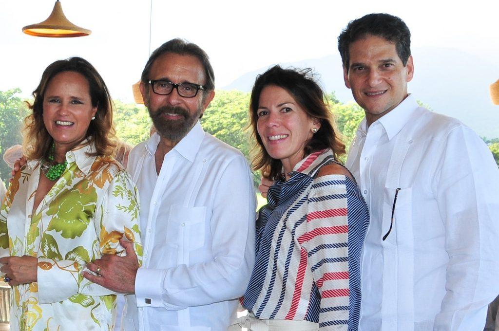 Sarah García de Casoni, Edmundo Aja, María Esther de Villanueva y Oscar Villanueva.