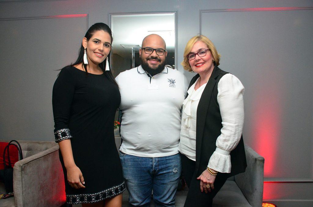 Ana Familia, Kassin Pérez y Milagros Guerrero.