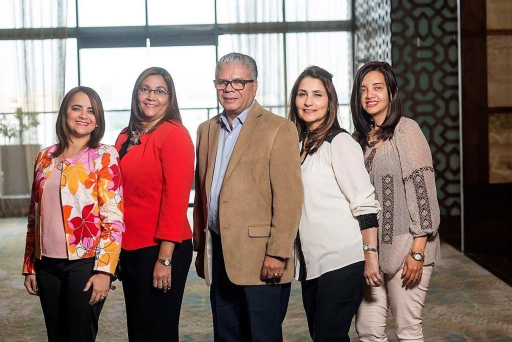 Dra Ana Estevez, Dra. Rosario, Dr. Manuel Logrono, Dra Janet Lugo, Dra. Enma Almonte