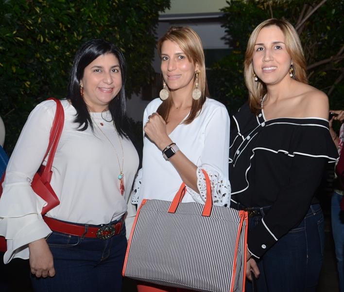 Fanny Subero, Rochelli Subero y Clara Báez.
