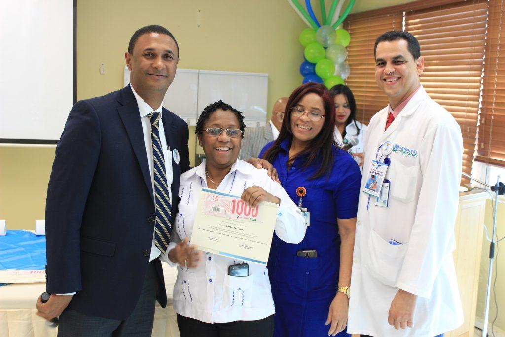 Reconocimiento a la buena labor de las enfermeras del Hosiptal Ney Arias Lora.