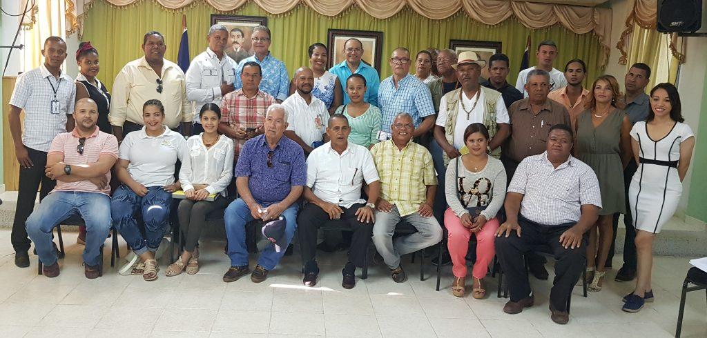 Participantes en la jornada de capacitación de Adompretur en Pedernales