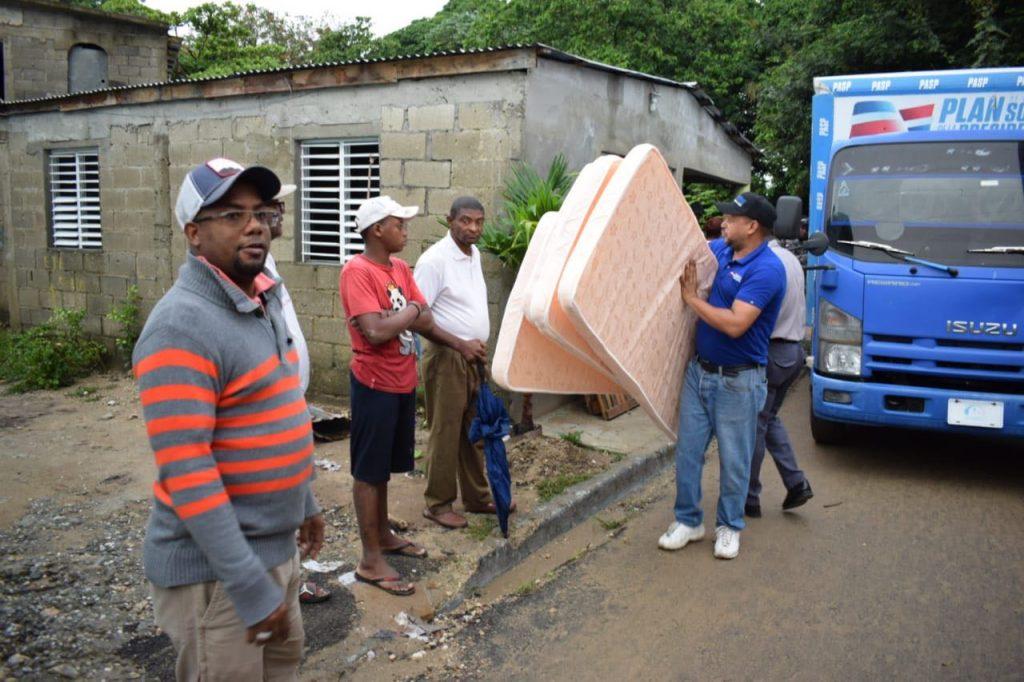 Iris Guaba realizó un recorrido de supervisión en el Ensanche Quisqueya, del Distrito Nacional y en Quita Sueño de Haina.