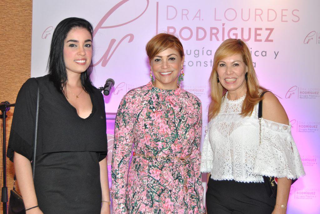 Alejandra González, Rosa Grullon y Raysa Lara.