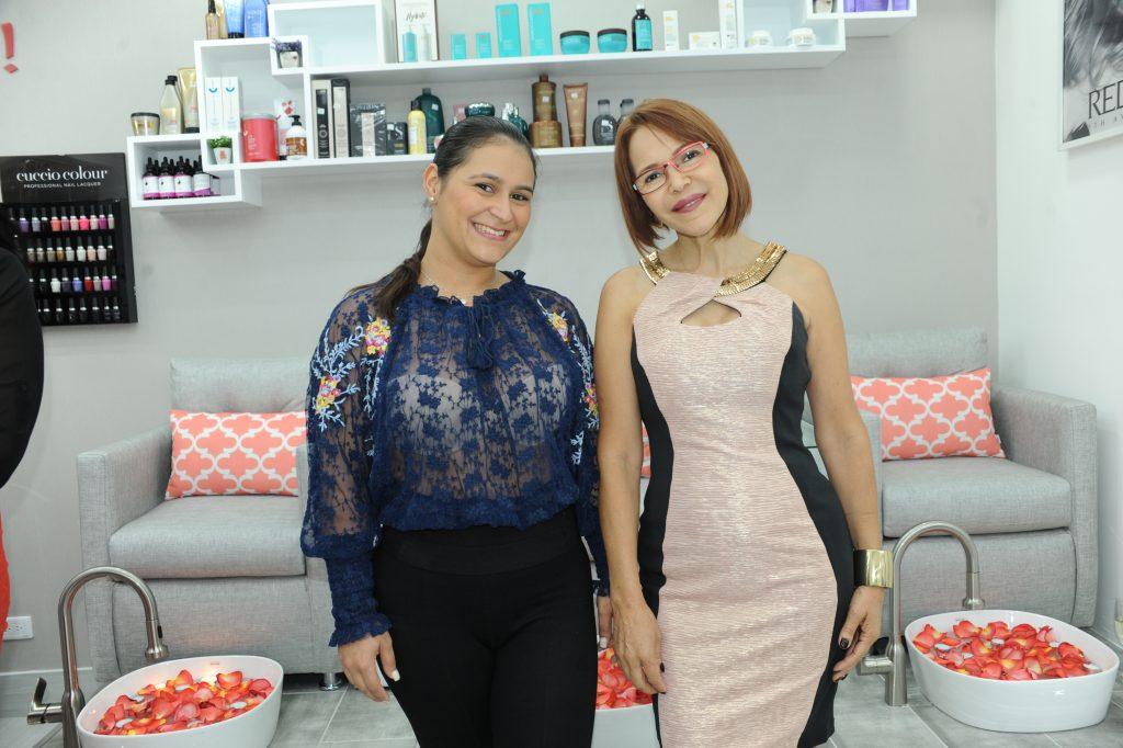 Elizabeth Durán y Marina Durán.