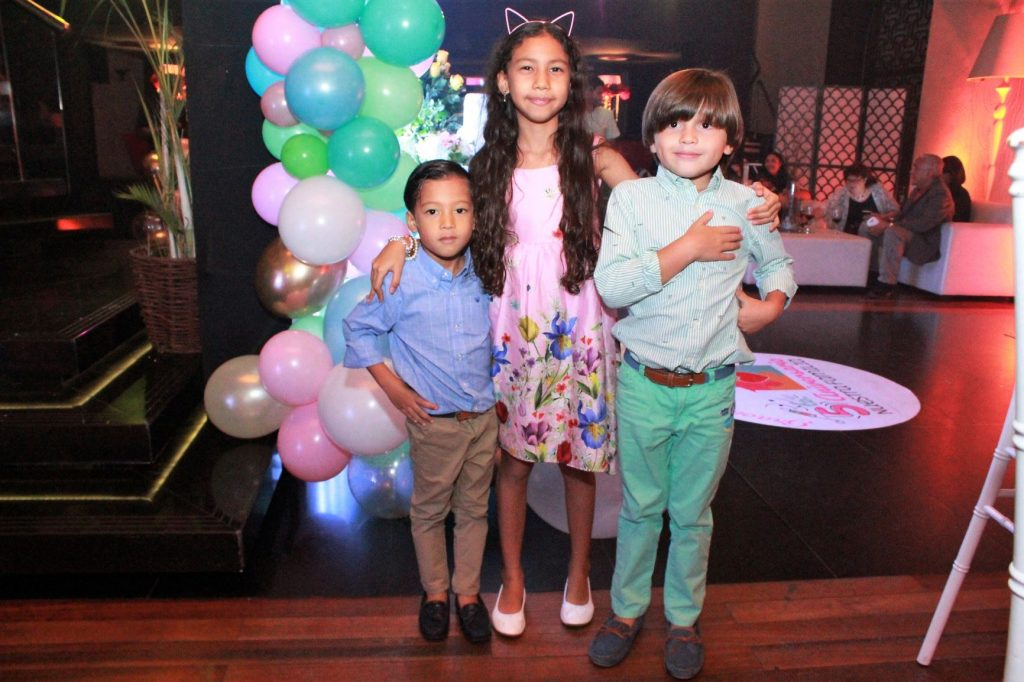 Enzo y Sara Liang Chavez y Andres Gutierrez Barros