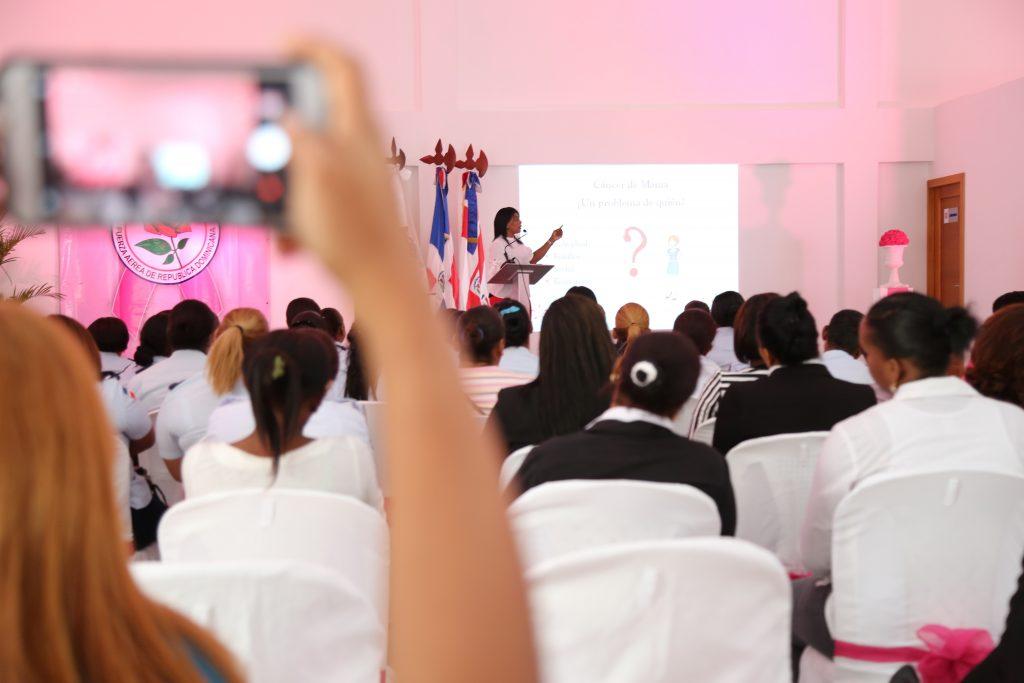 Despacho Primera Dama lleva servicios de mamografías gratis a mujeres de la Fuerza Aérea Dominicana en Base de San Isidro