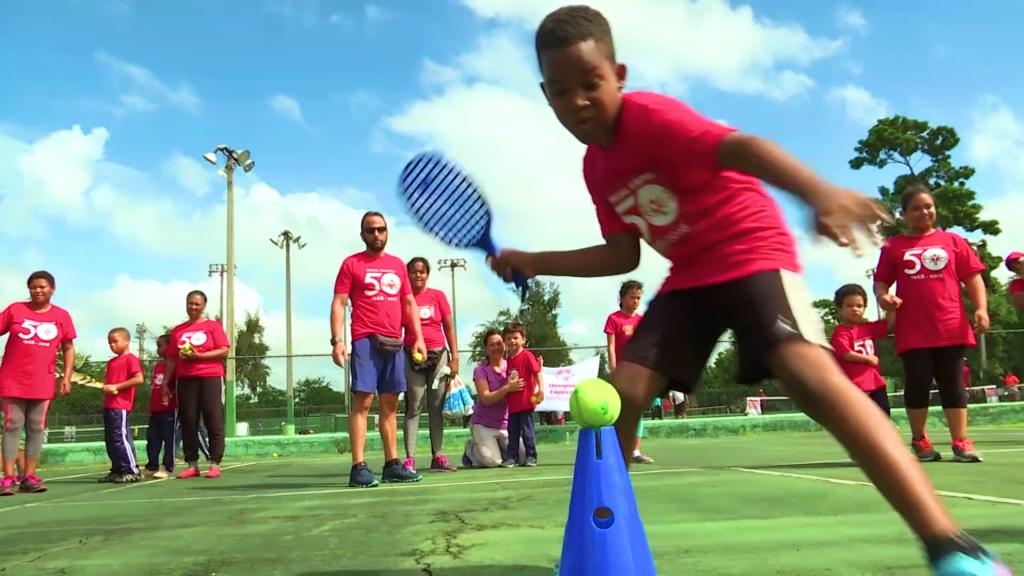 Niños demuestran habilidades rumbo a Olimpiadas Especiales