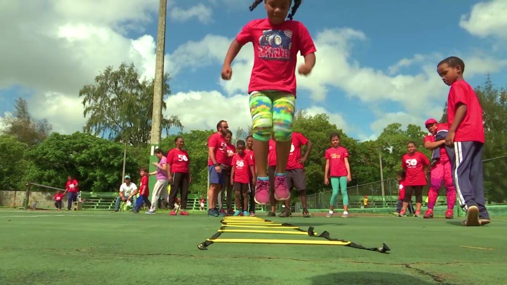 Niños demuestran habilidades rumbo a las Olimpiadas Especiales