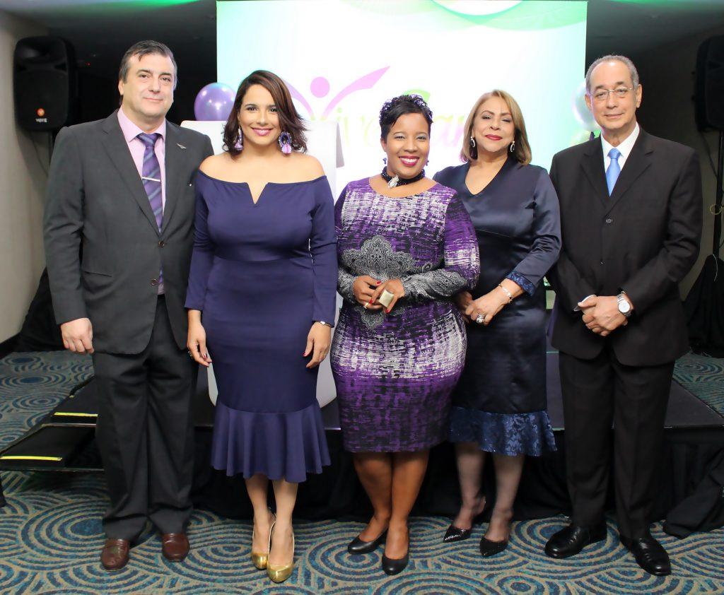 Fernando Moreno, Elizabet Gutiérrez, Milka Hernández, Luisa Maria de Aquino y Luis Felipe de Aquino