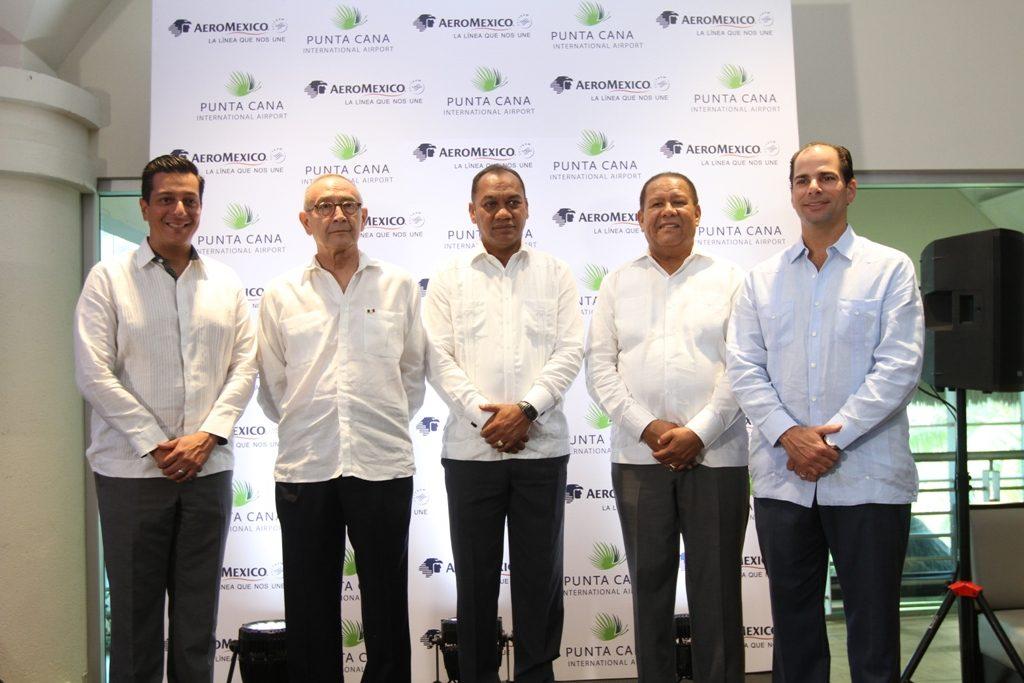 Giancarlo Mulinelli, Carlos Tirado Zavala, Maireni Castillo, Rafael Barón Dulúc, Frank Elías Rainieri