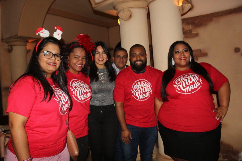 Cynthia Martínez, Blanca González, Elizabeth Fondeur, Olmedo Jaquez, Héctor Mendez y Rita Pérez