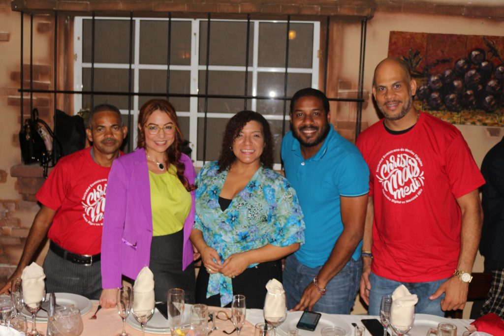 Robison Castro, Amry Bencosme, Pilar Carrasco, José Clariot y Joel de los Santos.