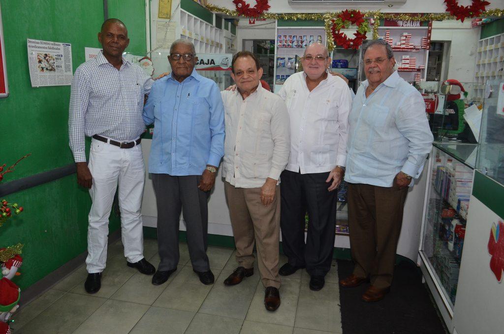 Francisco Galvez, Bienvenido Antonio, Victor Manuel Efres, José Bonó y Crispin Payano.