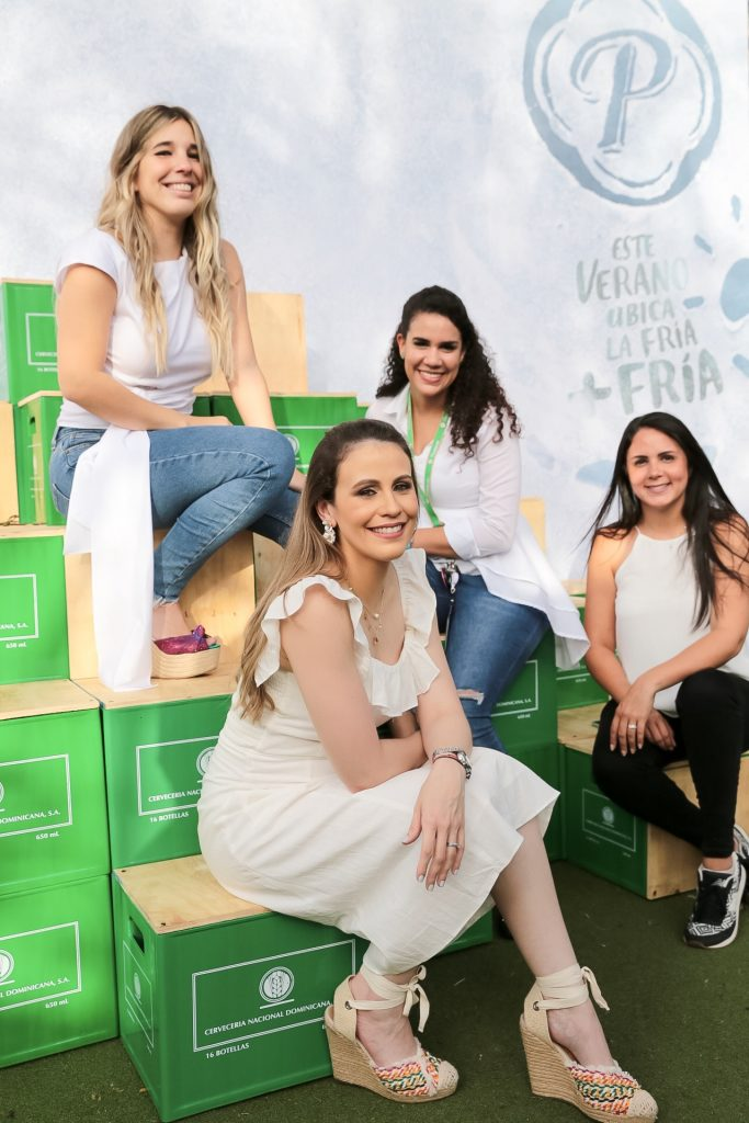 Stefany Romero, Cynthia Carrasco, Cristina Rodríguez y Álida Álvarez