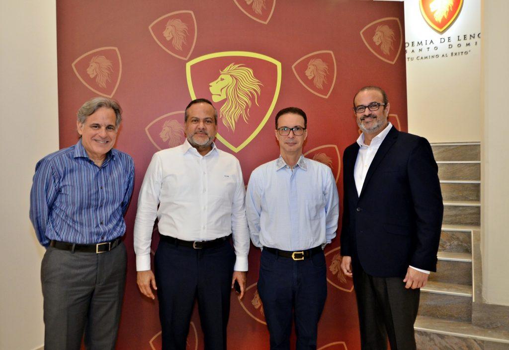 Luis San Miguel, Juan Carlos Molina, Manuel Torres y Martin Conde.