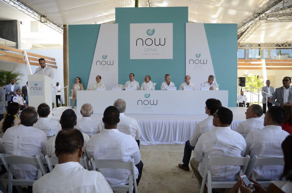 Danilo Medina inaugura ampliación Hotel Now Onyx
