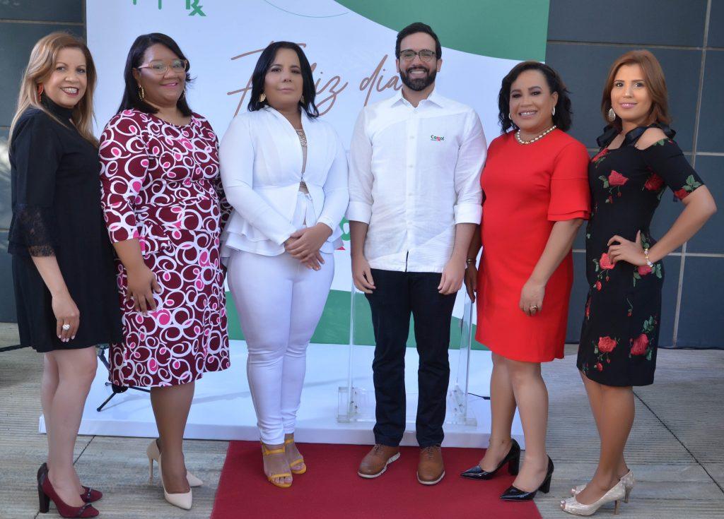 Aracelis Jiménez, Julissa Hernández, Yeimi Aquino, Julio Rafael Curiel, Wendy Ventura y Lisset Ventura.