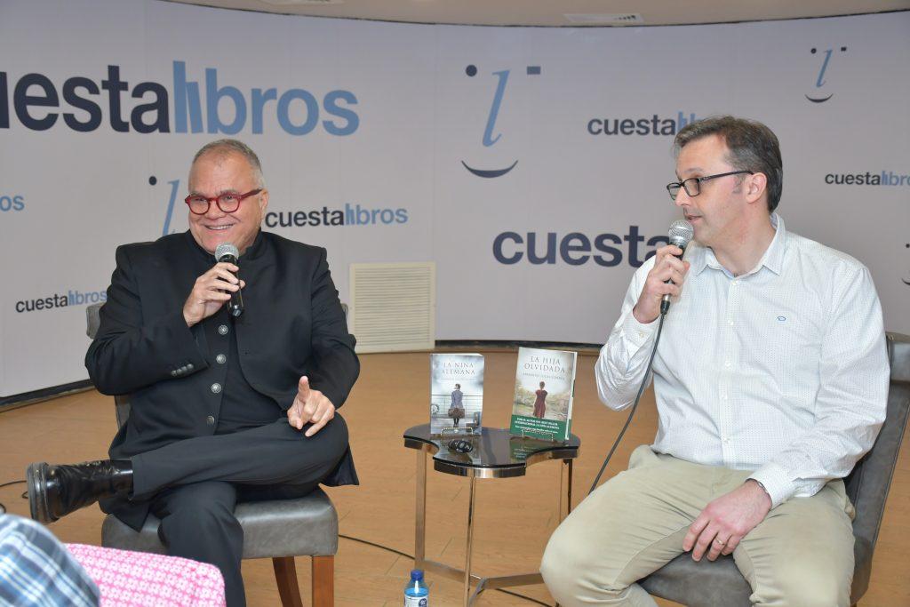 Interesante conversatorio con el afamado autor Armando Lucas Correa.