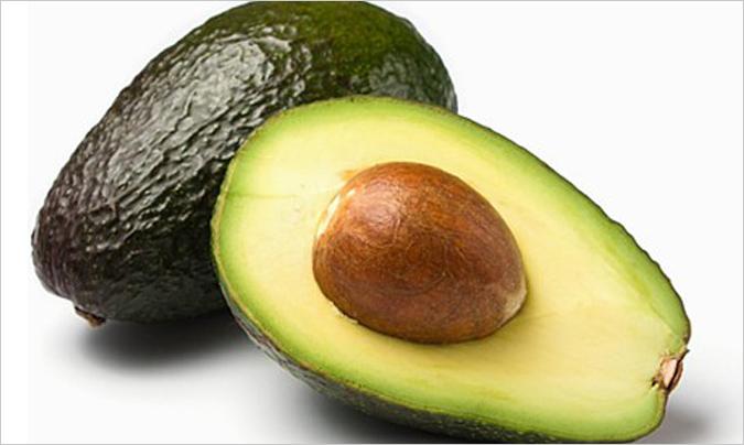 Las grasas que forman parte del aguacate puede ayudar al organismo a absorber nutrientes.